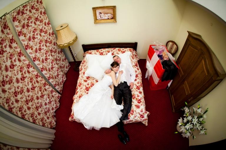 Gdy na dole wesele jeszcze trwa... Dwór Biesiadny - Rojewo gdy pp w768 h512