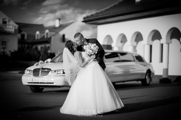 Natalia & Emil 57  S6B9078 pp w768 h512