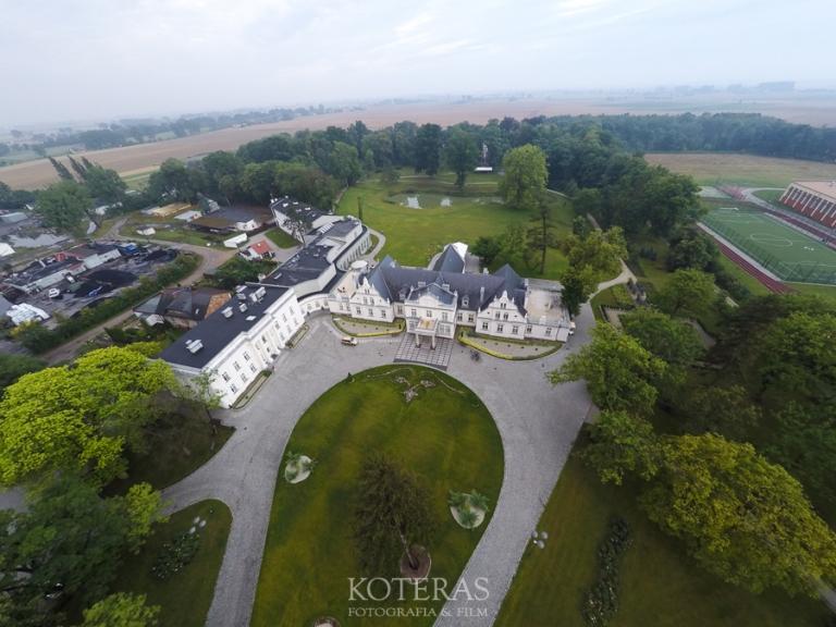 DCIM100GOPROG0033793.  Pałac Turzno - idealne miejsce na ślub, wesele i sesjęplenerową :) G0033793 pp w768 h576