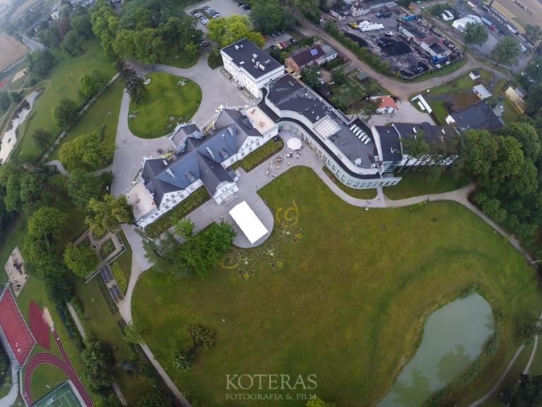 DCIM100GOPROG0033859.  Pałac Turzno - idealne miejsce na ślub, wesele i sesjęplenerową :) G0033859 pp w768 h576