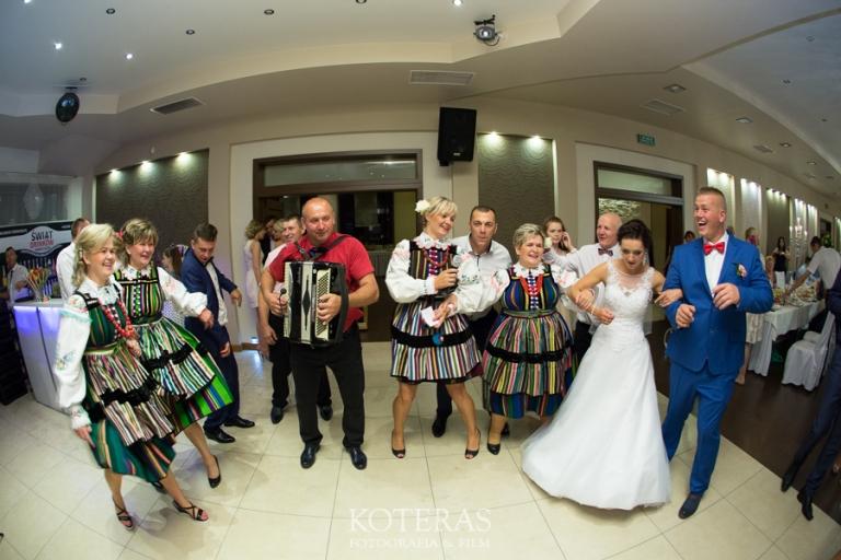 74_0N2A8664  Dominika & Waldemar 74 0N2A8664 pp w768 h512